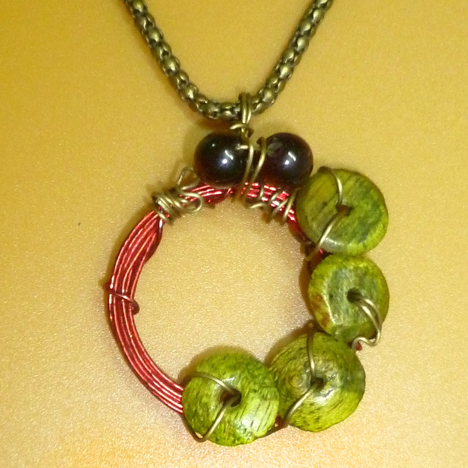 20 or 22g red colored wire i used one strand 26 quot of floral bunch