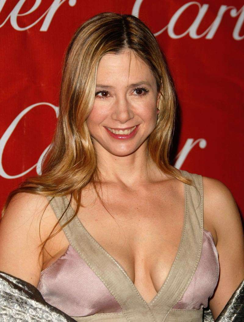 New Nices Wallpapers Mira Sorvino Cleavage