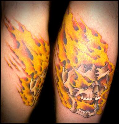flaming skull tattoo for guys design art. Black Bedroom Furniture Sets. Home Design Ideas
