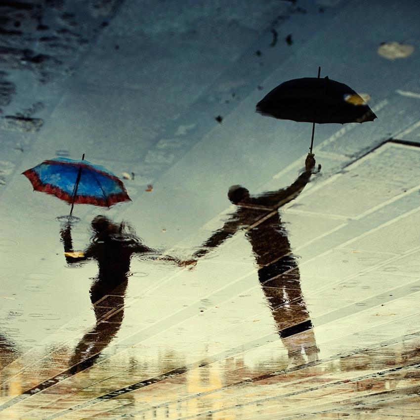 Χορεύοντας στους ήχους της βροχής