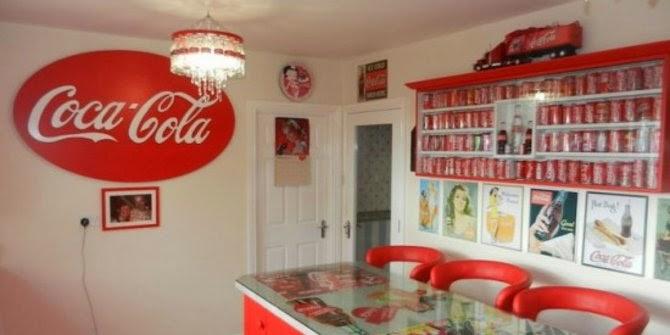 Cinta Coca-Cola, Wanita Ini Sulap Rumahnya Jadi Serba Coca-Cola