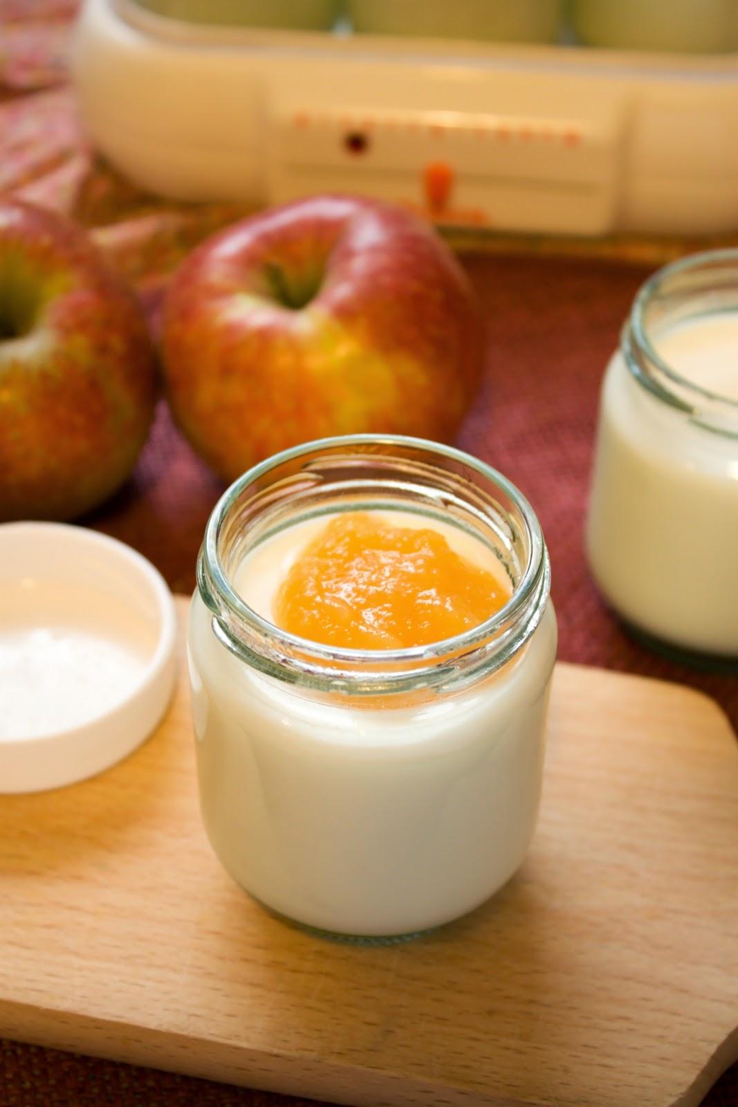 Domowy jogurt naturalny.