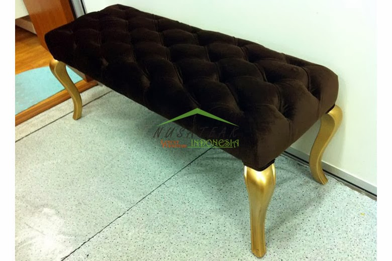Allesia Tufted Bedroom Bench