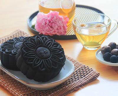 Bánh trung thu Givral tỏi đen 2015 mới nhất - Sông Đáy