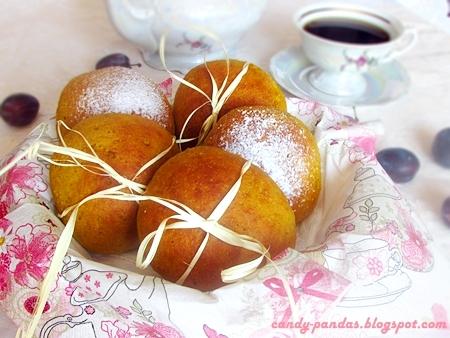 Orkiszowo - żytnie bułeczki dyniowe z powidłami i śliwkami (wegańskie)