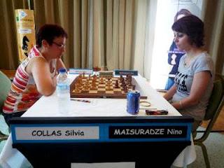 Échecs à Pau - ronde 5 : Silvia Collas (2274) 1-0 Nino Maisuradze (2284) - Photo © FFE