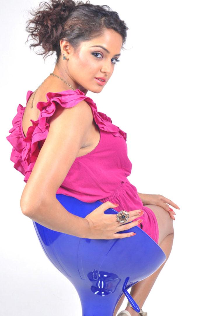 Bollywood Actress World (Original): Asmita Sood , Hot Models