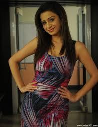 Biodata dan Foto Pankhuri Awasthy Pemeran Razia Sultan