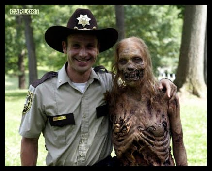 imagenes que encontre , (fuera escena ) de la serie the walking dead