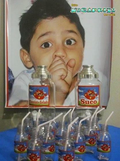 Suqueiras de aluguel com garrafinhas descartáveis personalizadas
