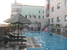Ramzi Smart Travel Swimming Pool Of Grand Zurich Hotel