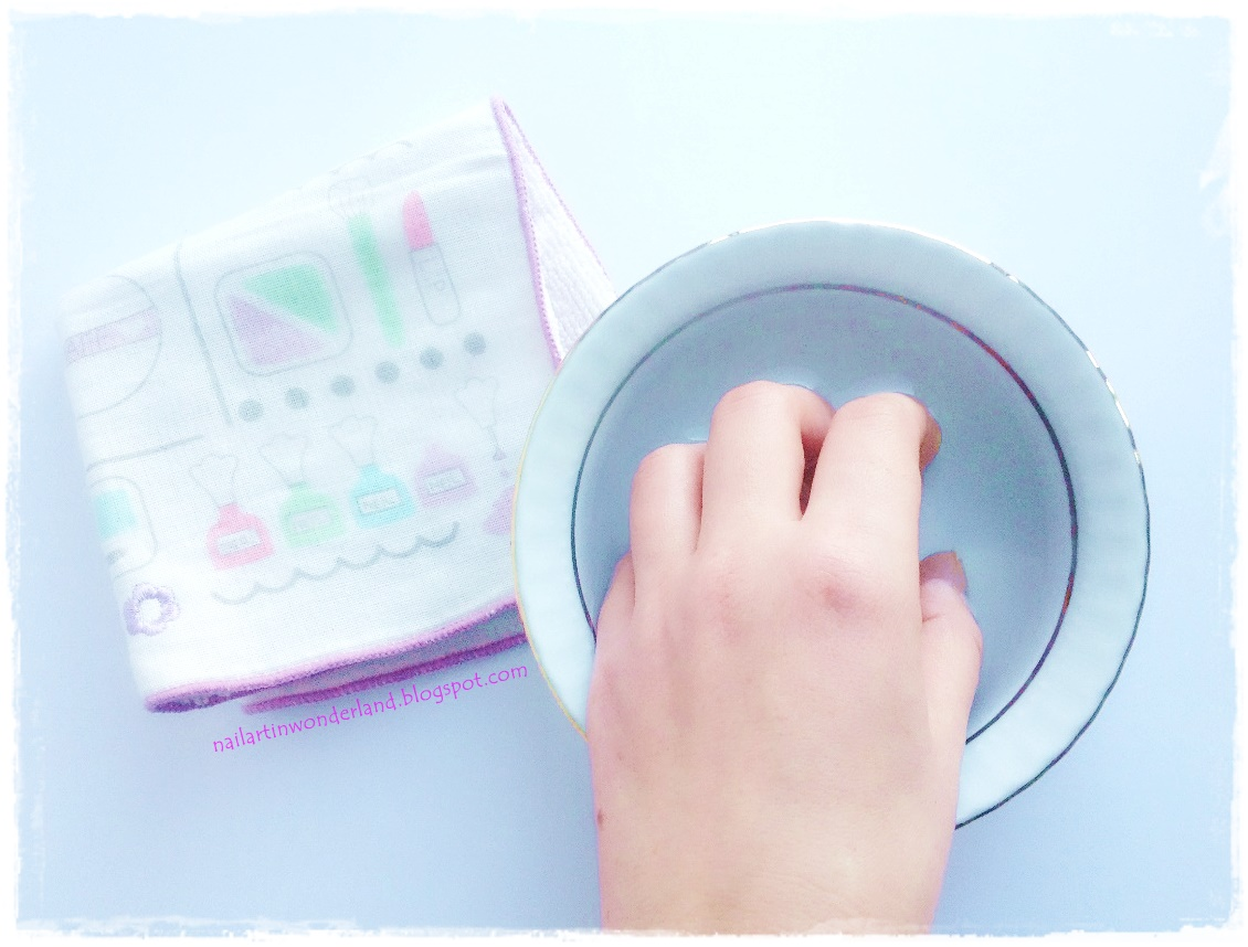 Step-by-step Easy Manicure at Home