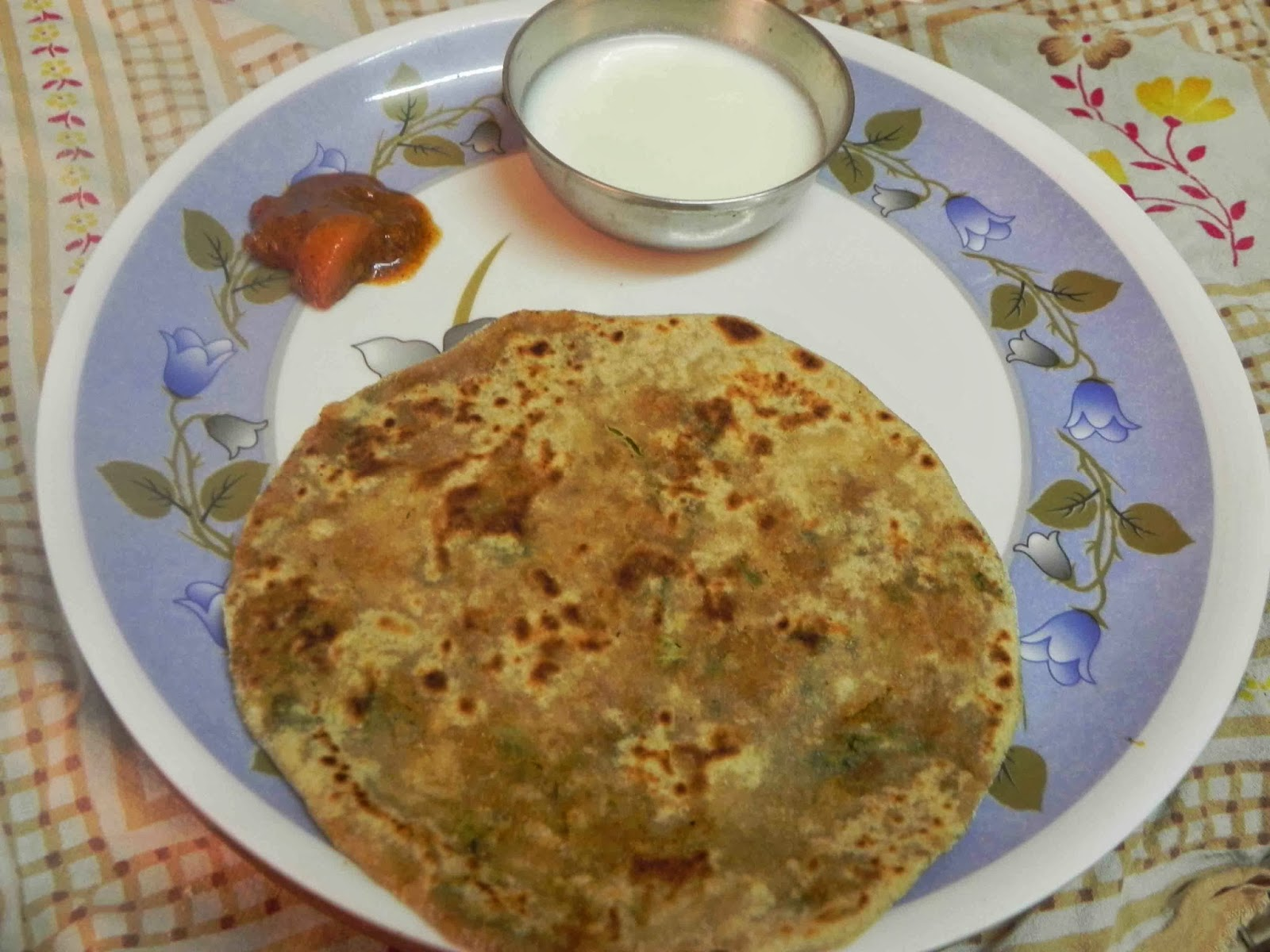 Indian healthy lunch box recipes delicious healthy home made mooli paratha with curds forumfinder Images