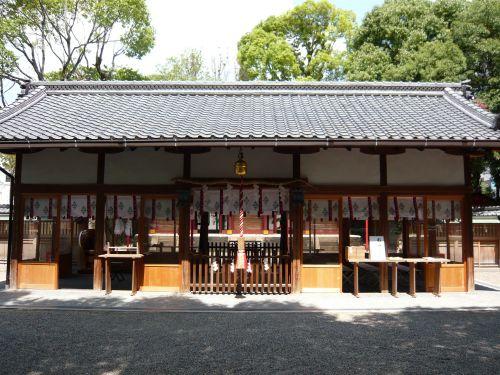 率川神社拝殿
