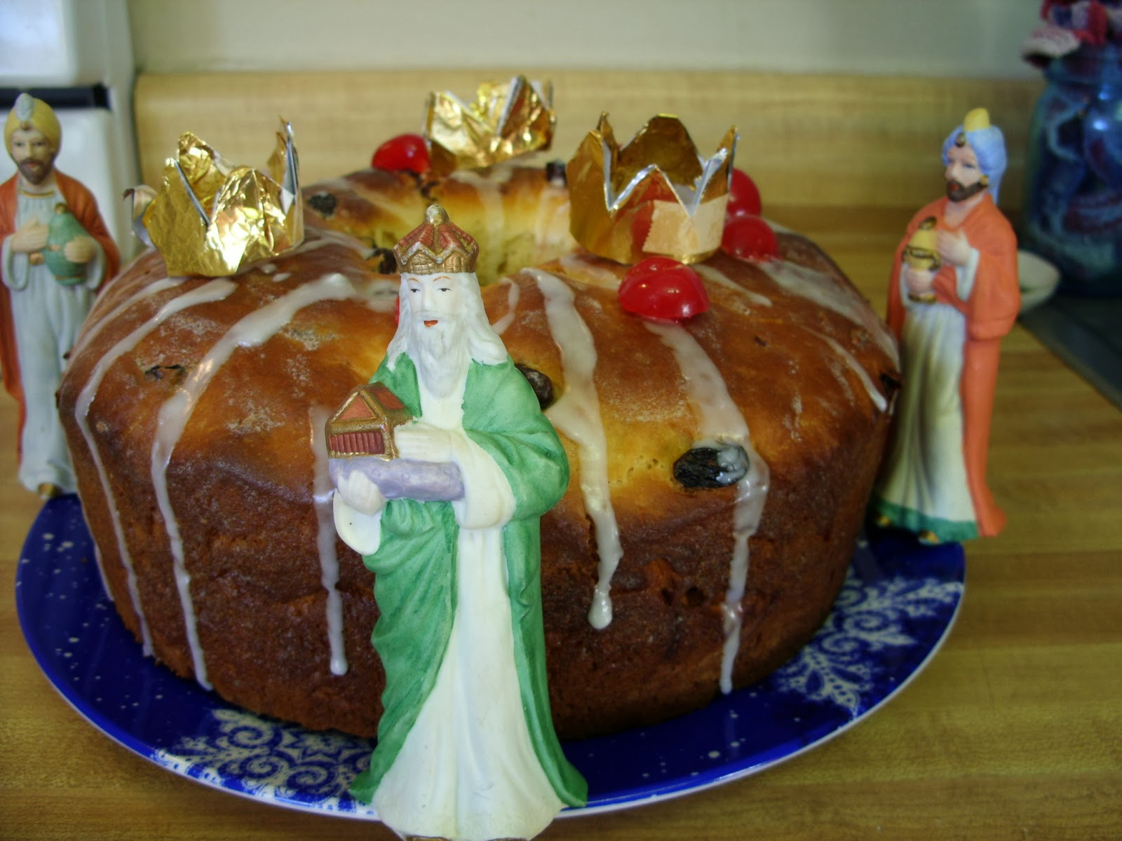 Eat The Blog: Rosca de Reyes-Three Kings Cake