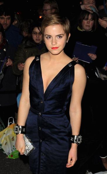 emma watson dress malfunction. Emma Watson suffers wardrobe