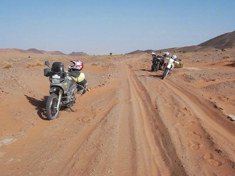 Cruzando el desierto con las motos