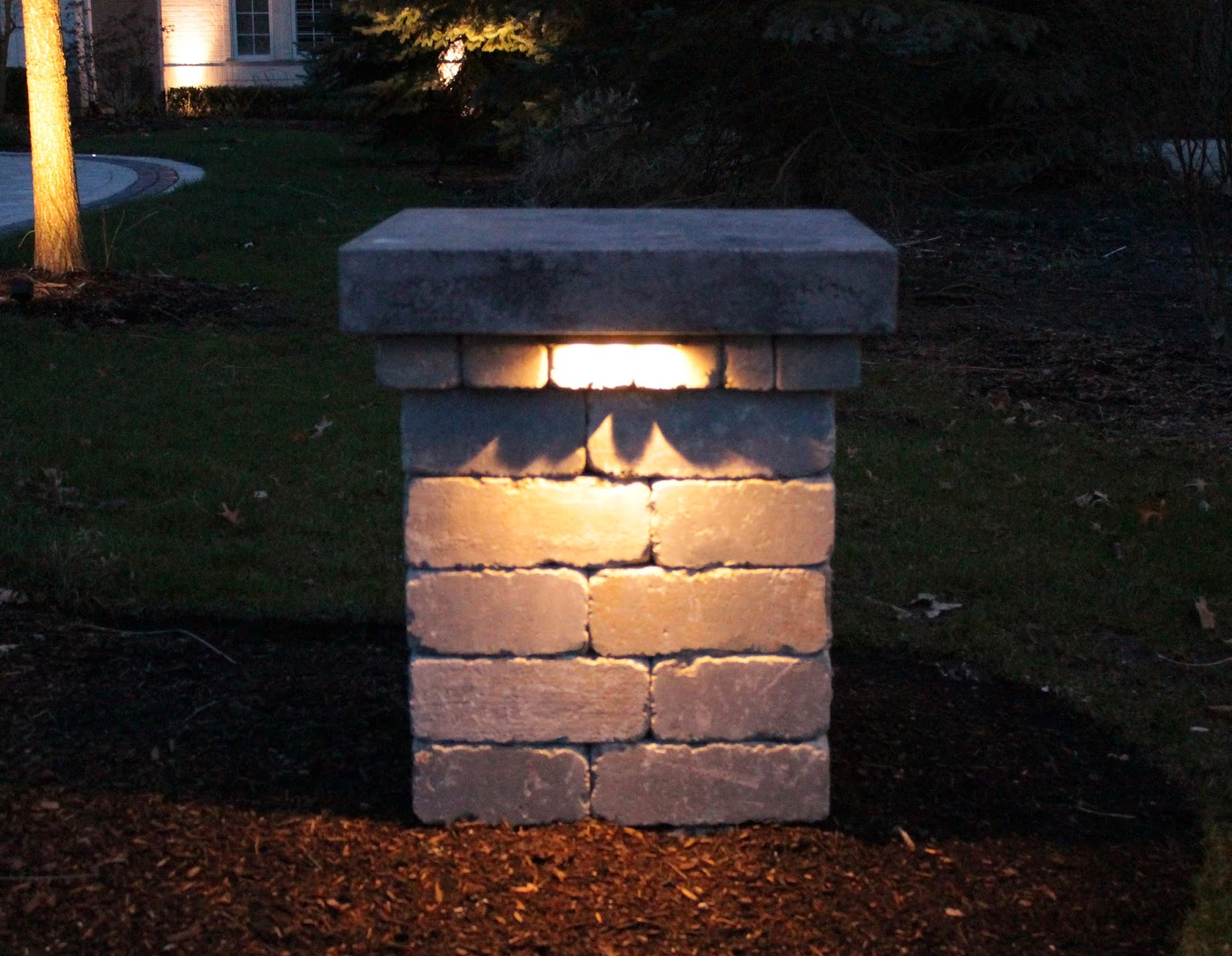 Outside Driveway Wall Lights : Landscape Lighting