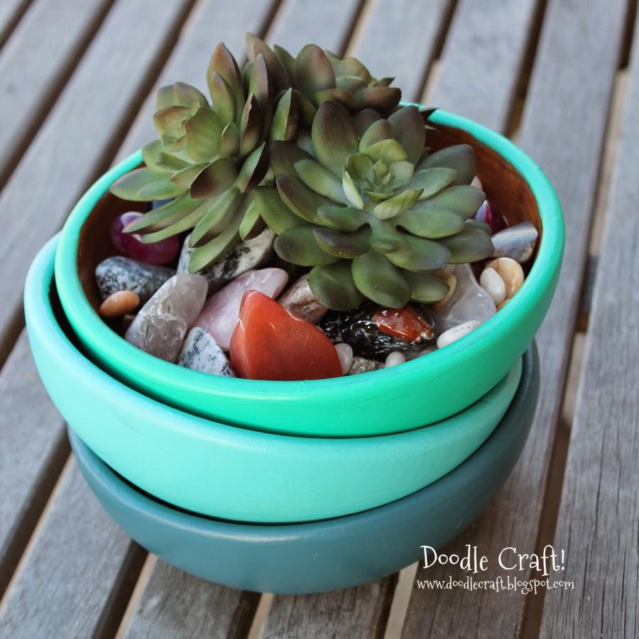http://www.doodlecraftblog.com/2014/04/painted-wooden-bowls.html