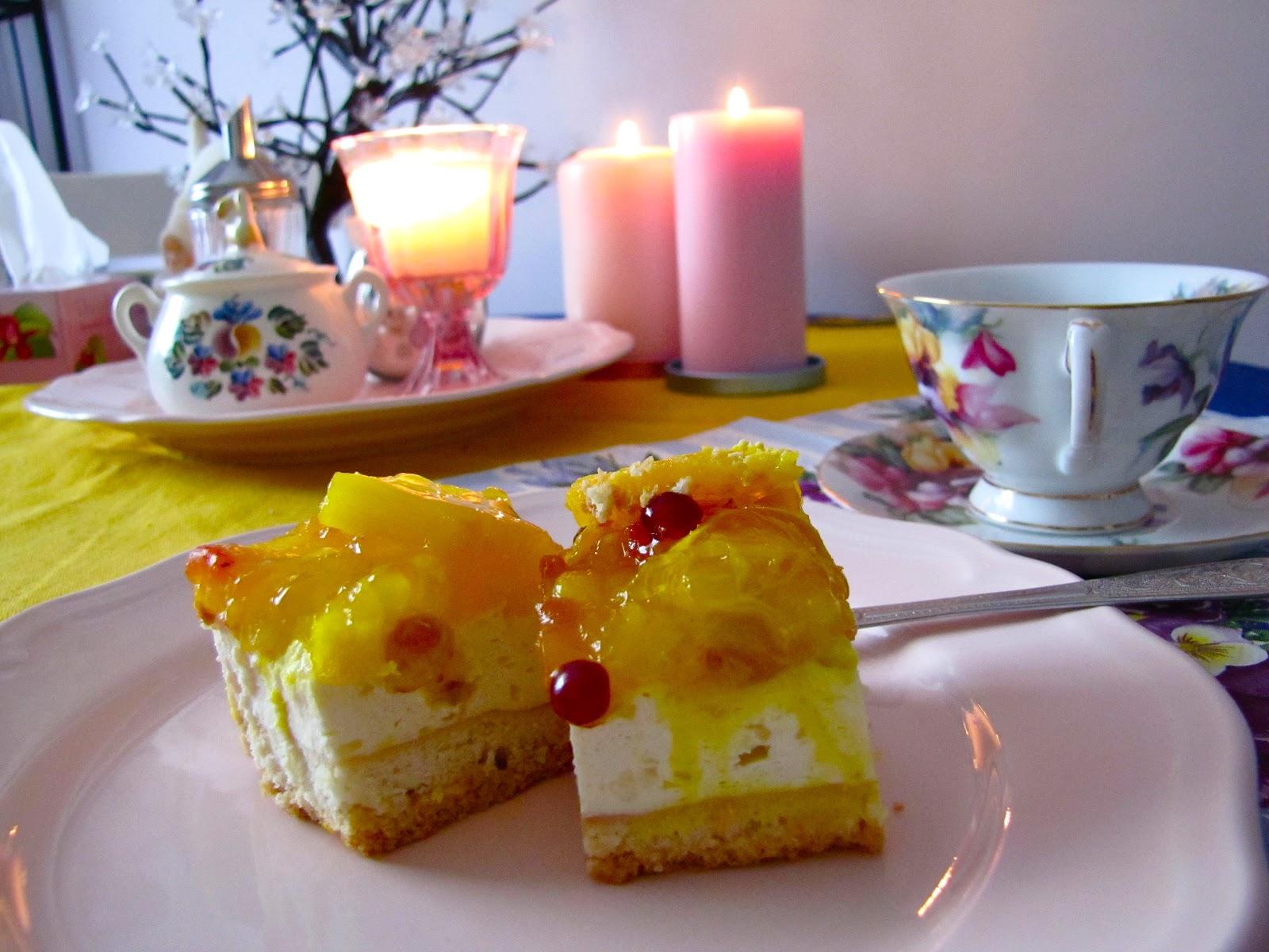 Фото кофе с пироженкой