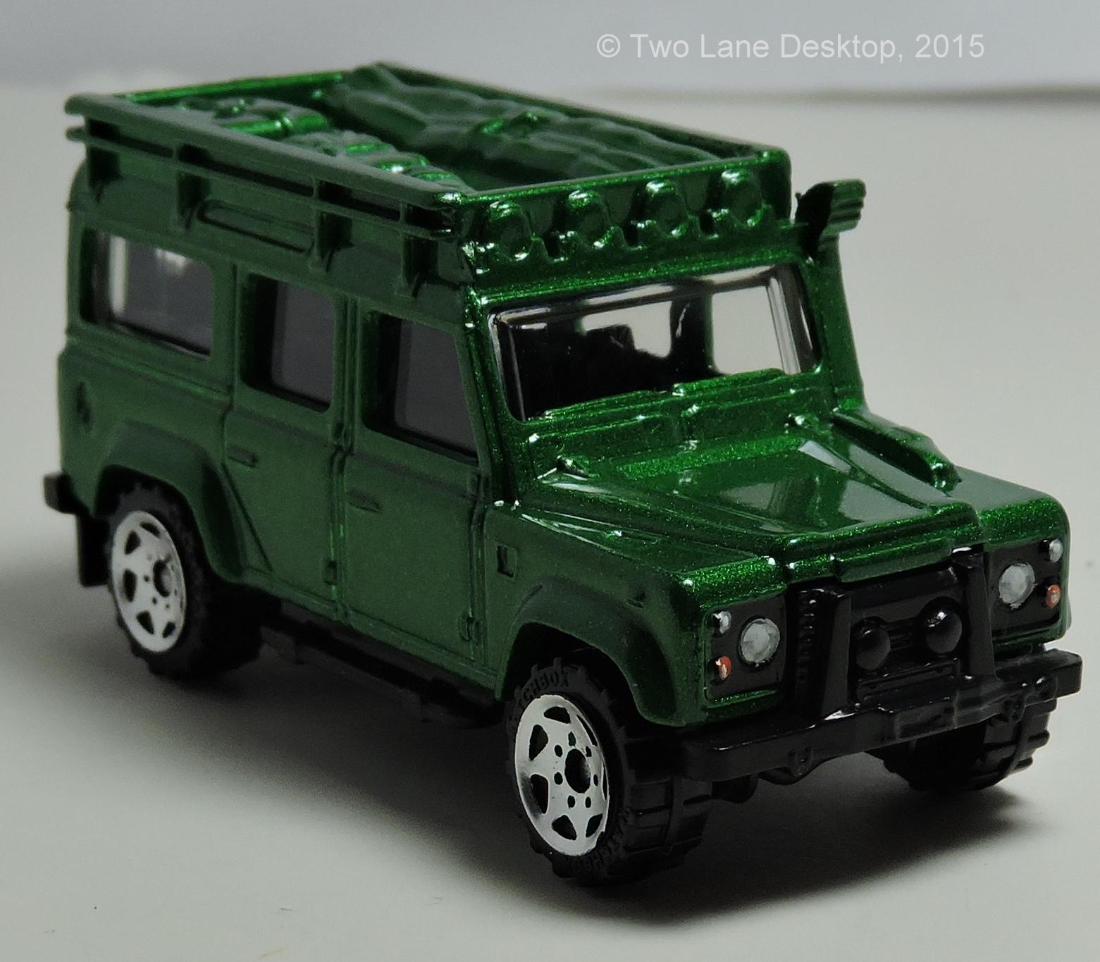 Land Rover: Two Lane Desktop: RMZ City 1:40 And Matchbox 1:64 Land