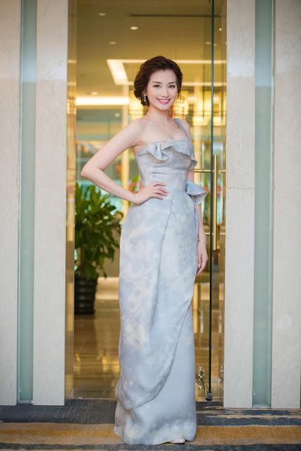 Cuối tuần qua, Trúc Diễm làm khách mời tại sự kiện triển lãm cưới ở Hà Nội. Cô bay ra thủ đô một mình mà không có ông xã John Từ tháp tùng.