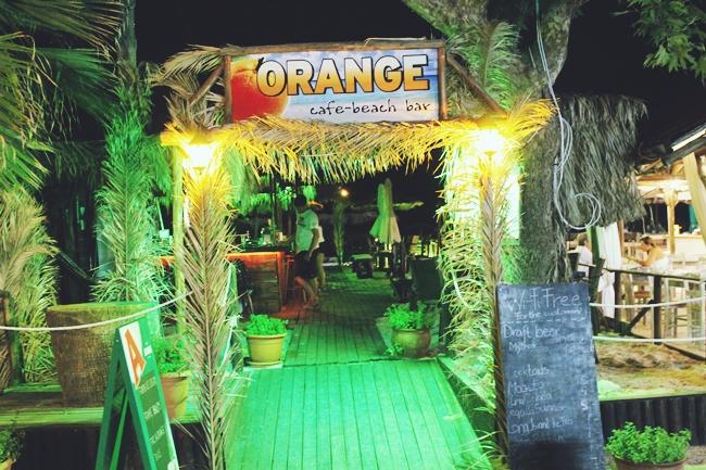 Sarti (Sithonia) at night.Sarti (Sitonija) nocu.Orange cafe beach bar, Sarti.