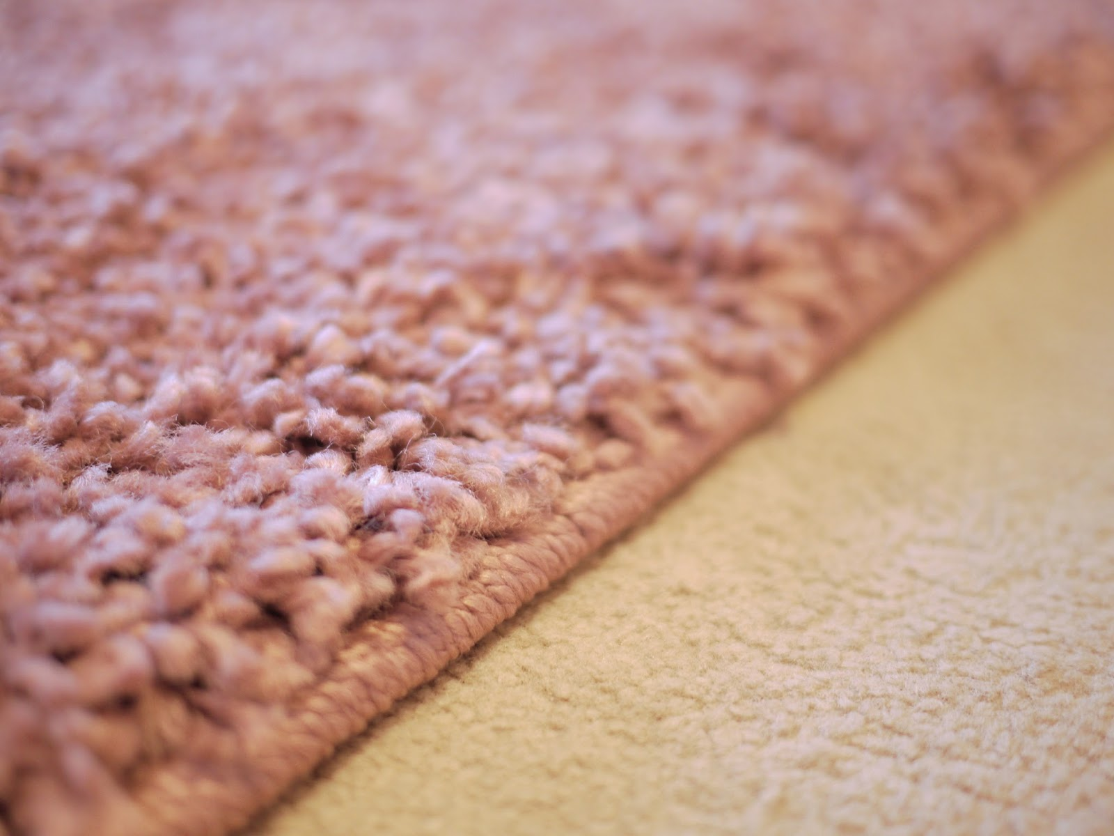 Next home cosy rug in Mauve