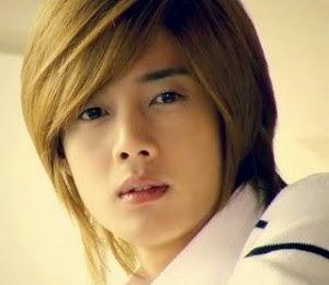 12 gambar terkini gaya rambut lelaki korea yang mesti anda lihat