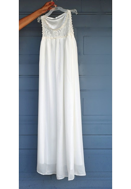http://www.shein.com/White-Sleeveless-Lace-Chiffon-Maxi-Dress-p-220255-cat-1727.html?utm_source=pomaranczowa-pomarancz.blogspot.jp&utm_medium=blogger&url_from=pomaranczowa-pomarancz.blogspot.jp