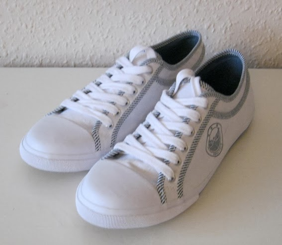 http://www.ebay.com/itm/New-odd-size-sneakers-39-and-40-UK-5-5-and-6-5-/171226939658?pt=UK_Women_s_Shoes&hash=item27ddebc10a