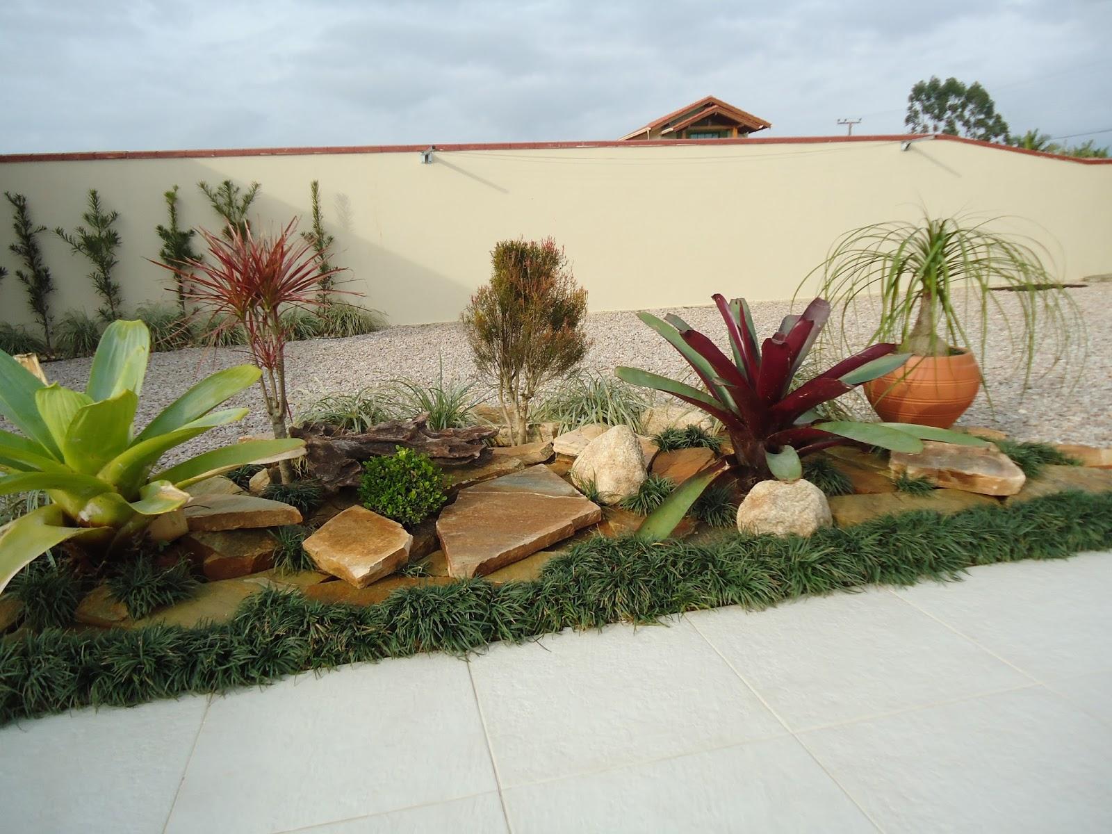 pedras para jardim em sorocaba:Pedras e Jardins: Paisagismo. Jardim com pedra São tomé (caco)
