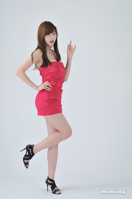 Jung Se On - Korean Sexy Legs show off