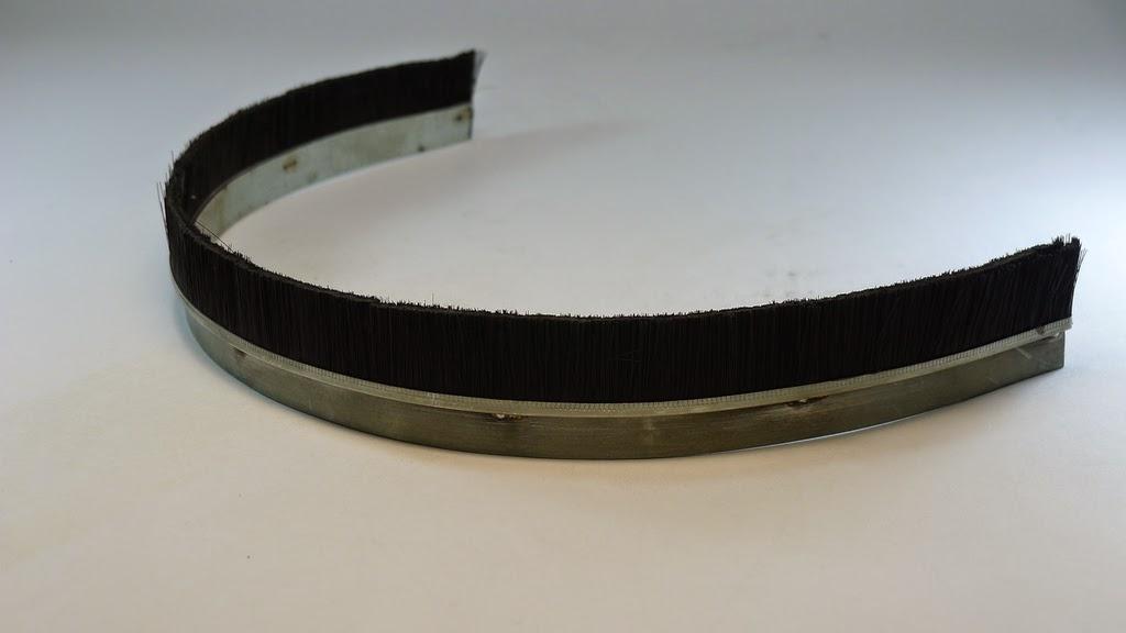 鐵片刷與鋁擠型