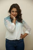 Madhu shalini glam pics-thumbnail-14