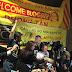 Một Số Hình Ảnh Đón Blogger Tạ Phong Tần Tại Phi Trường Quốc Tế LAX - Los Angeles, California Tối Nay.