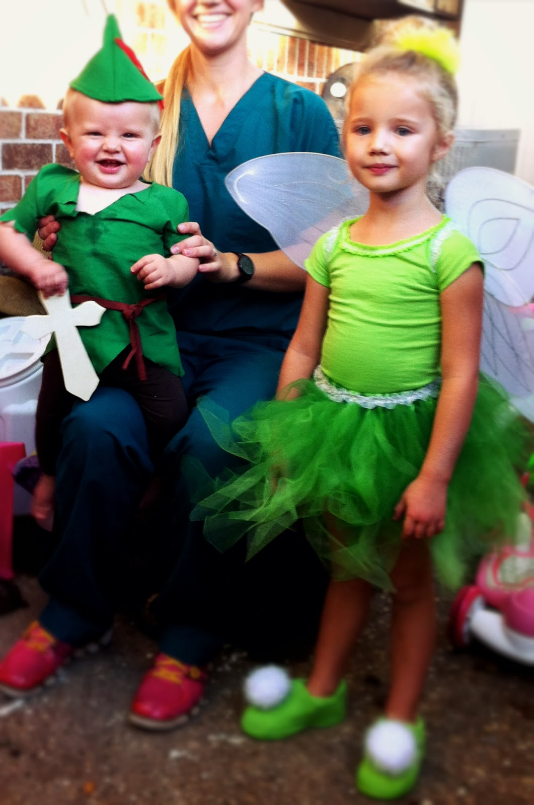diy peter pan and tinkerbell costumes homemade halloween
