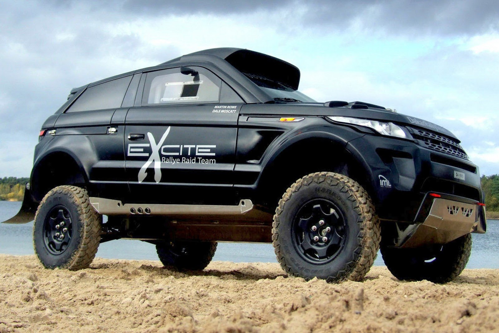 range rover evoque desert warrior 3 excite rallye raid team garage car. Black Bedroom Furniture Sets. Home Design Ideas
