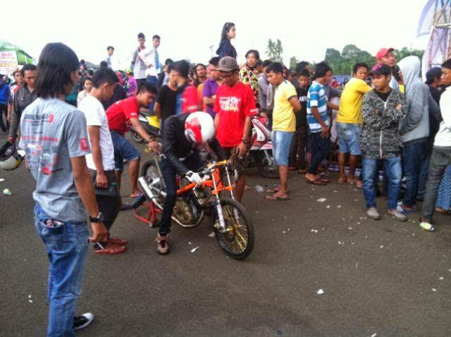 King Dragracing Motorcyle Free ILegal