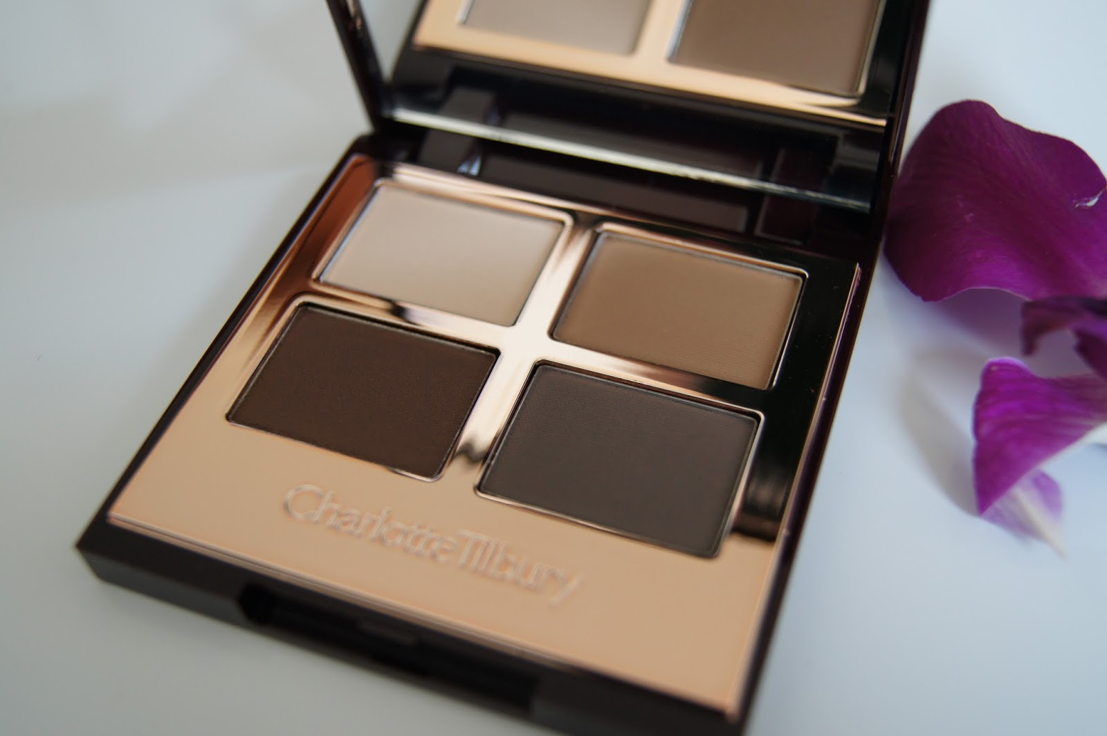 Charlotte Tilbury Luxury Palette-The Sophisticate review