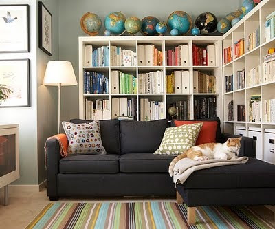 mylittlehousedesign.com globes on top of expedit bookshelves