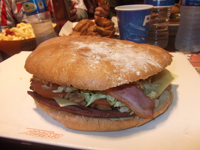Sporting Molinón Gijón brutus hamburguesa gigante burger