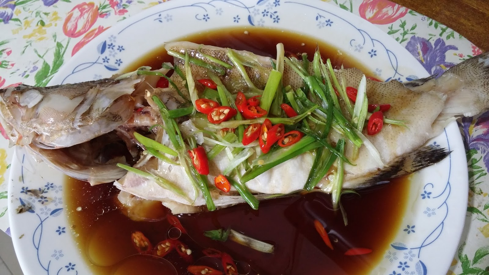 Cooking with lu steam fish with soya sauce for Cooking with fish sauce