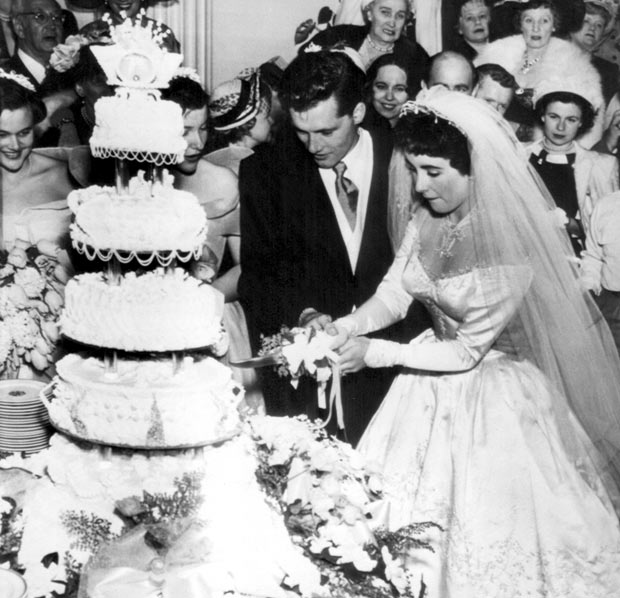 and they got married in 1950  Her first marriage lasted only 9 monthsYoko Ono 1950