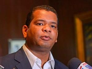 Aspirante a alcalde de Pedernales pide se penalice por cambio de residencia