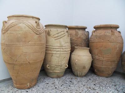 Minoan pots