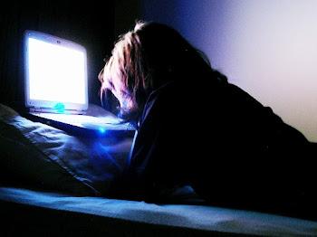 Internet não é vício. É apenas uma vontade imensa que controla minhas atitudes!