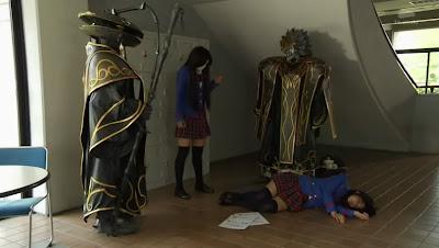 "Kamen Rider Fourze Episode 43 ""Cahaya dan Kegelapan Kembar"""