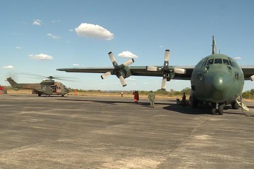 FAB ajuda no combate às chamas com aviões (Foto: Divulgação/FAB)