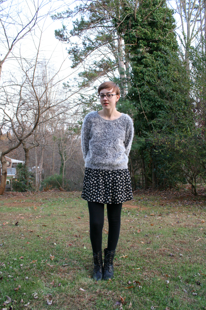 90s inspired outfit with combat boots and other ethical outfit ideas on stylewiseblog.blogspot.com